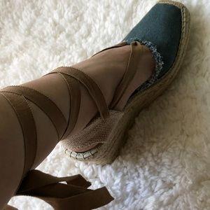 New Denim Espadrille Gladiator Sandals in Size 9